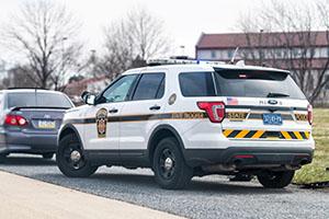 pennsylvania-state-trooper-vehicle-side-of-road